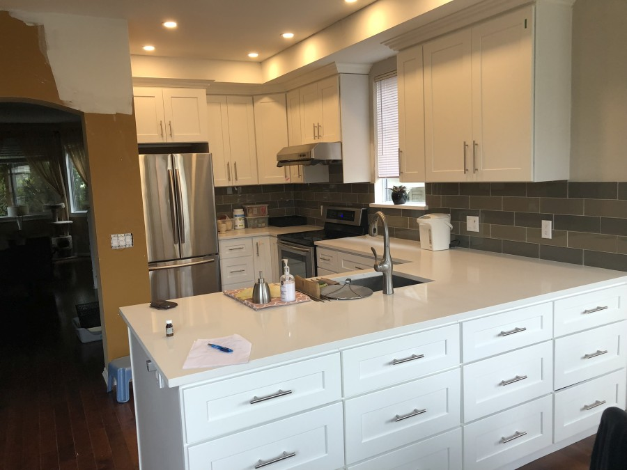 White Shaker Kitchen Cabinets With, White Shaker Kitchen Cabinets With Quartz Countertops